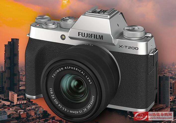 富士xt200售价¥5590,预约可以省400,体验评价情况