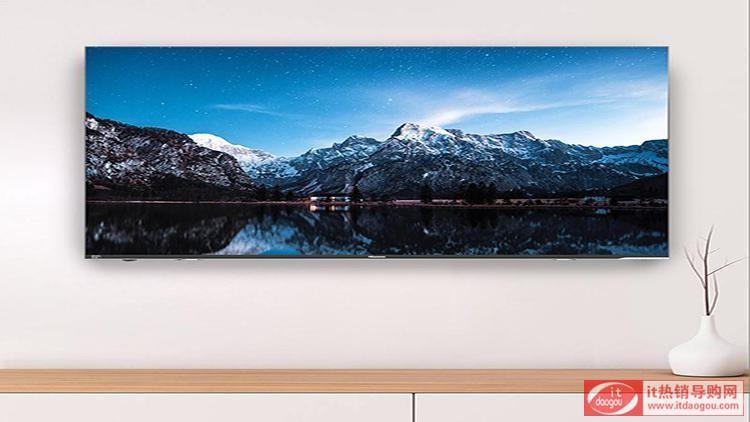 球完美的射入球门毋庸置疑是世界杯的亮点,但传统的电视屏幕太小,画质不清晰,那就大大降低你看球的激情了!海信H65E72A电视就是看到你眼中的期待,65英寸的大屏幕,无边全面屏,突破前框束缚。加上真4K画质,出彩的画面让你一幕了然。搭配Motion Flow体育模式,自动捕捉并保护高速运动物体轨迹,画面更稳定无破损。
